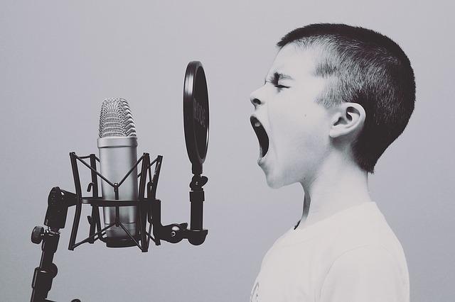 子供が歌う